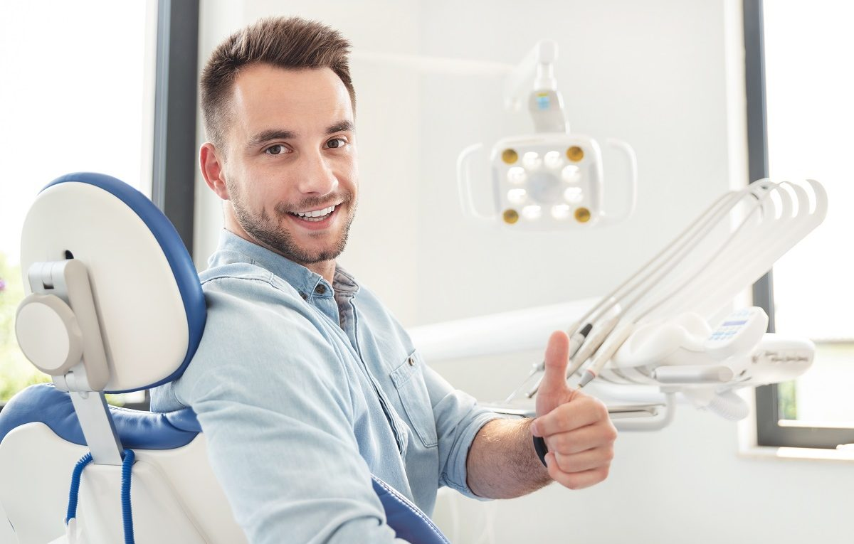 fix-chipped-teeth-with-the-help-of-the-Newport-Beach-dentist