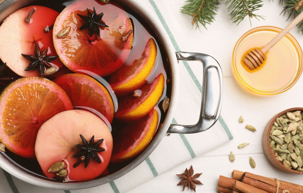 Honey-Sticks-And-Wine-Pair-Perfectly-For-This-Mulled-Wine-Recipe
